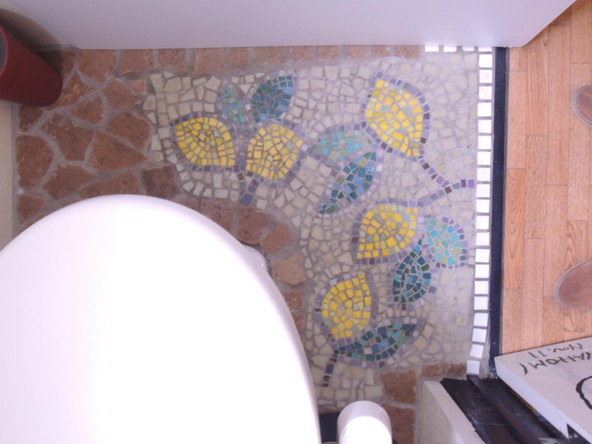 個室空間を優雅にモザイクアート装飾 トイレ事例 制作 岡田七歩美