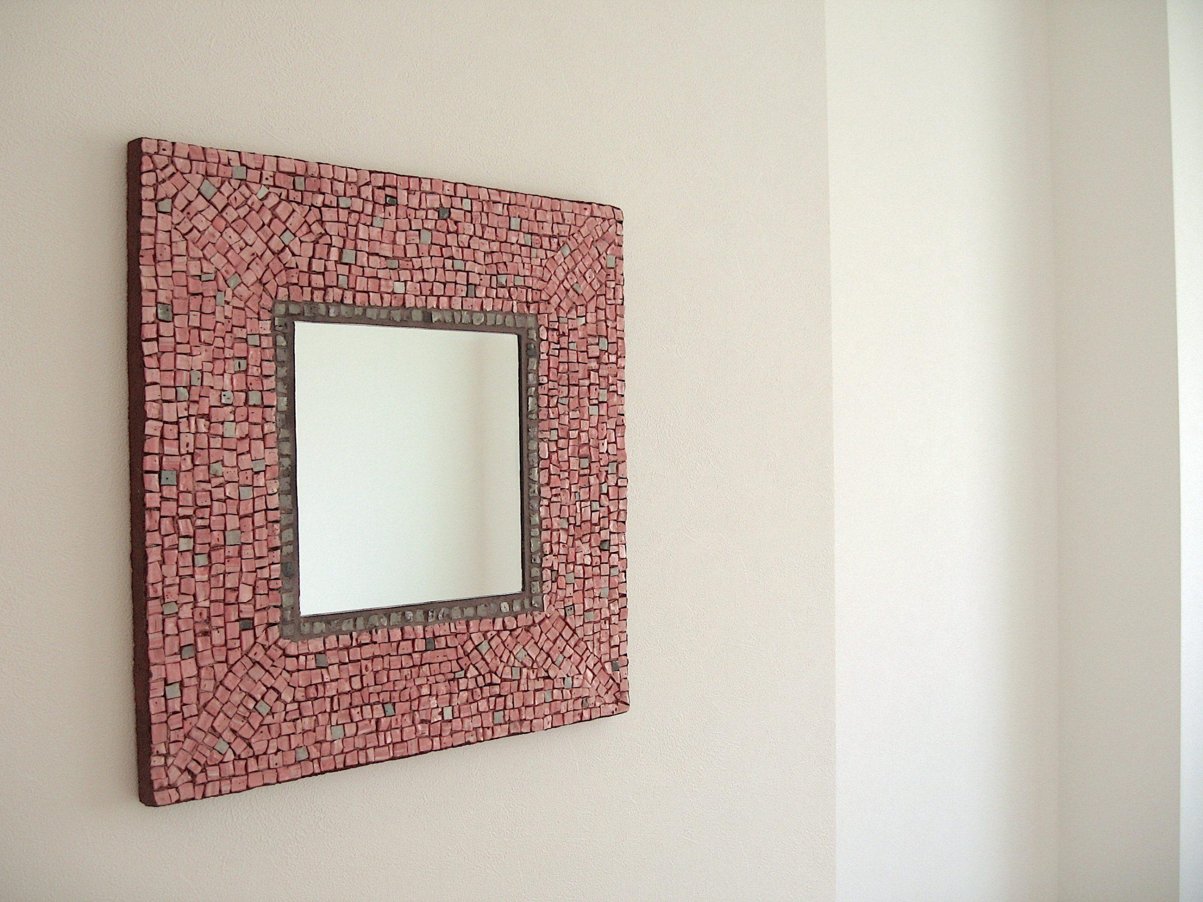 壁を飾るDECOミラー モザイクアート 制作 岡田七歩美