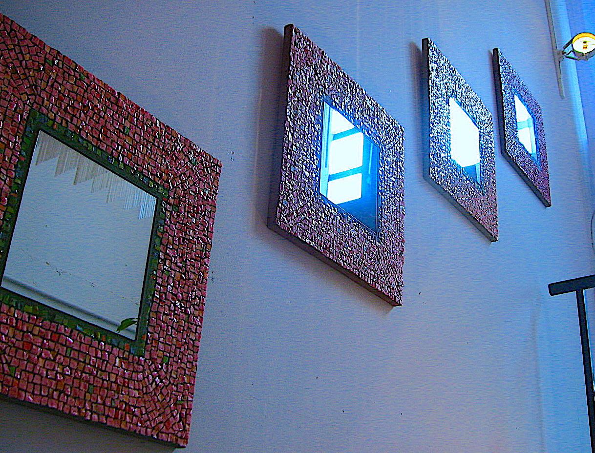 ヴェネツィアガラスの装飾鏡 モザイクアート制作:岡田七歩美