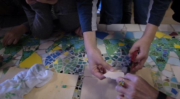 小学校トイレ改修工事 児童壁画制作参加