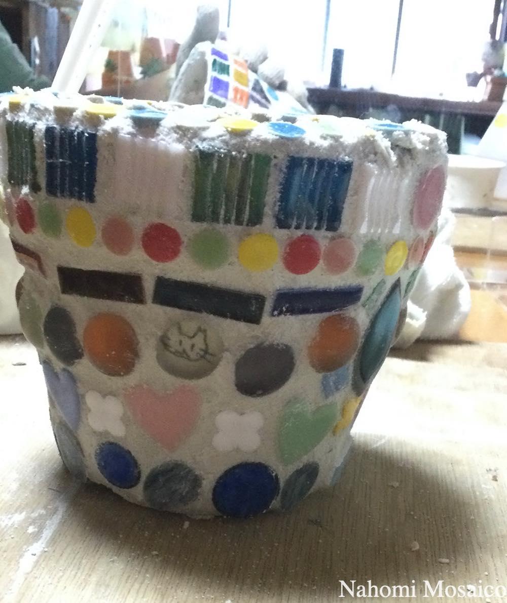 モザイクアート植木鉢のワークショップ