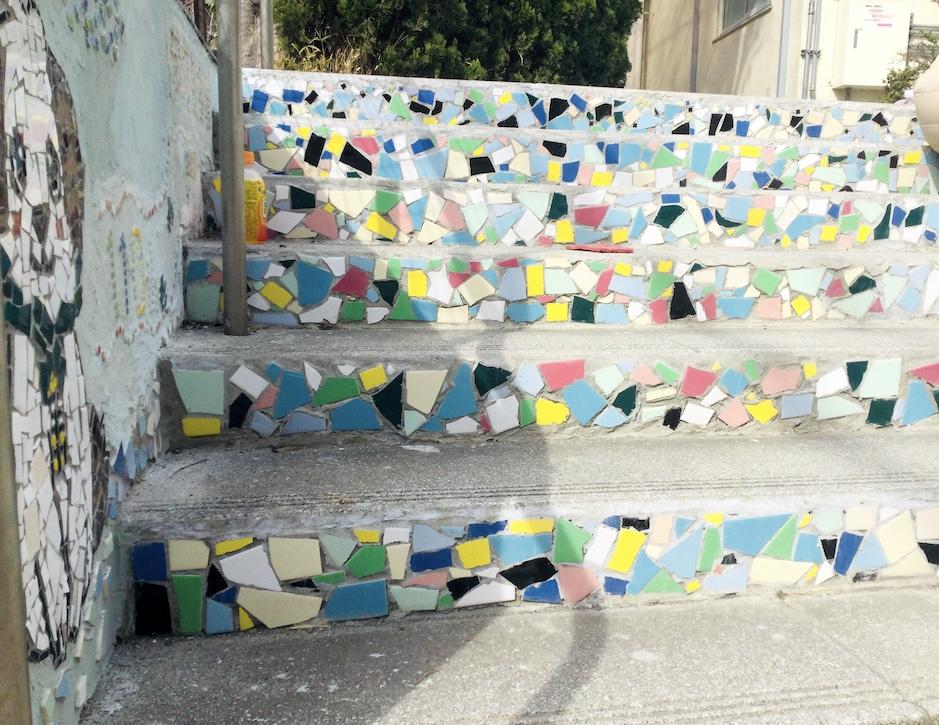 110周年記念行事 学校の階段アート