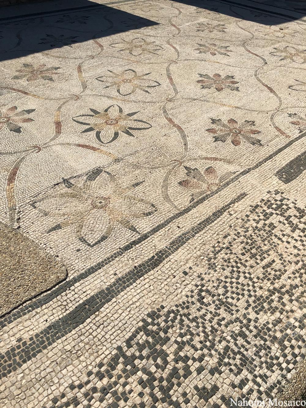 古代ローマの床モザイク フラワー文様